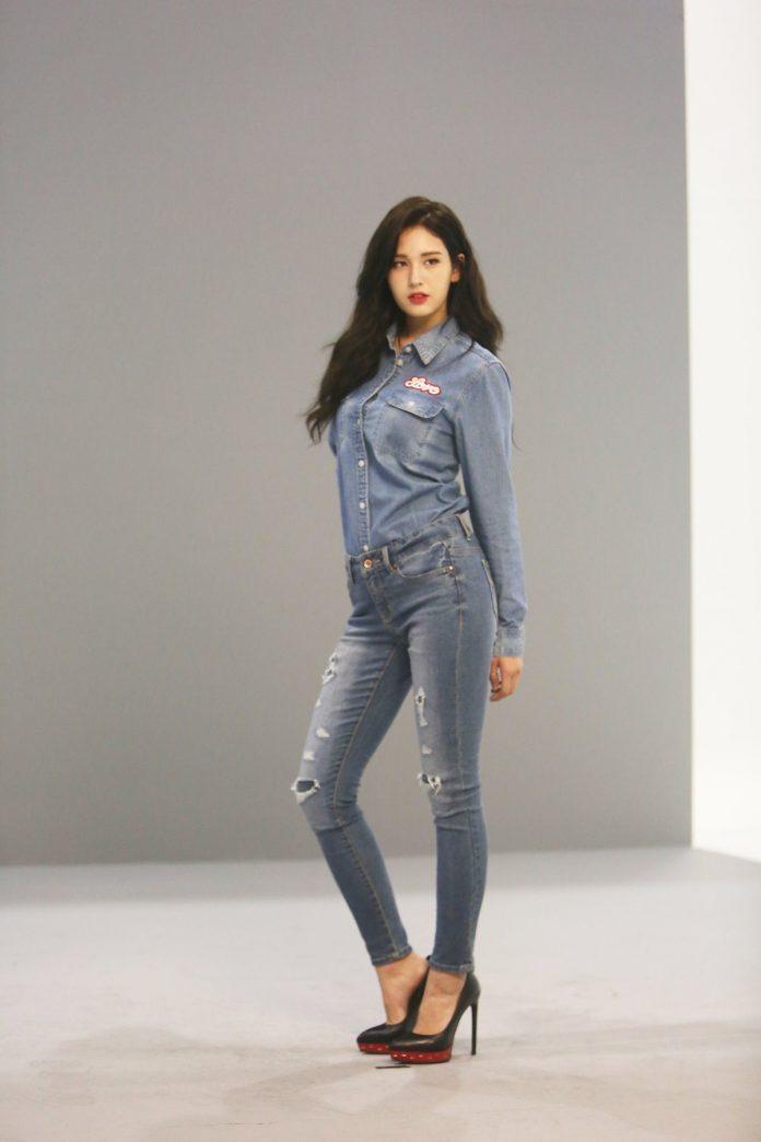 Những nữ idol Kpop sở hữu body chuẩn từng milimet, đôi chân dài đáng giá ngàn vàng khiến fan mê mệt  - Ảnh 4