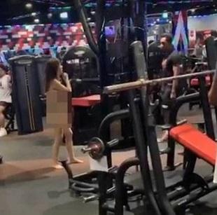 Cô gái 'trần như nhộng' đi lại trong phòng tập gym, nguyên nhân phía sau khiến tất cả bức xúc - Ảnh 1