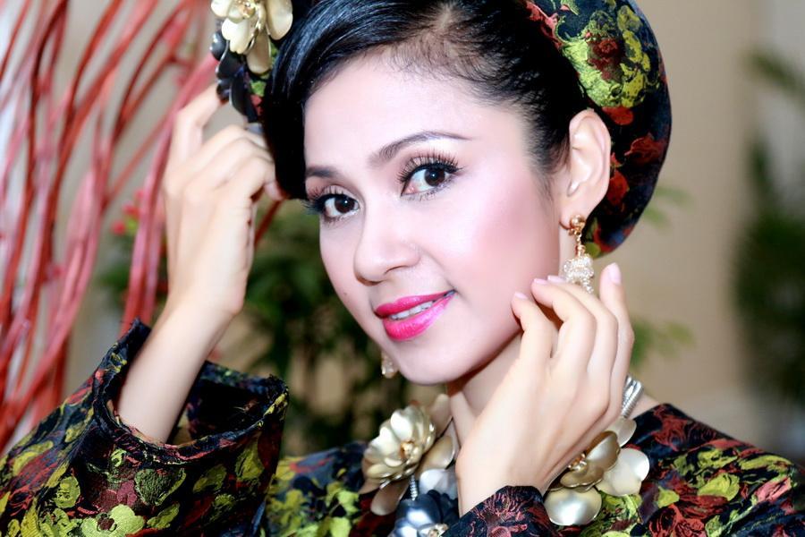 'Người đẹp Tây Đô' Việt Trinh bất ngờ lên tiếng bênh vực Lê Âu Ngân Anh - Ảnh 1