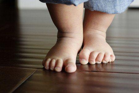 3 dấu hiệu chứng tỏ con sẽ có chiều cao vượt trội, đồng thời cảnh báo dấu hiệu dị tật chân - Ảnh 2