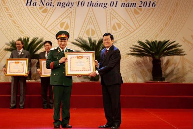 Những nghệ sĩ Việt mang quân hàm công an, quân đội - Ảnh 4