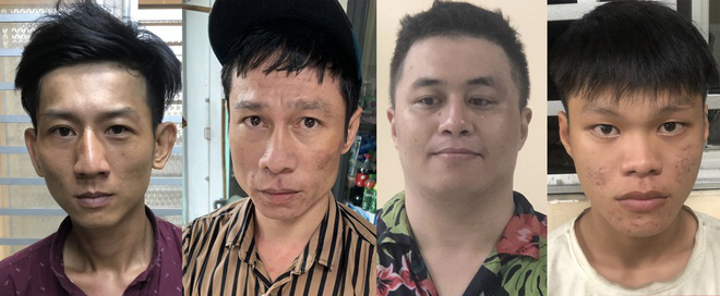 2 thanh niên tông vào xe máy 2 cô gái rồi kề dao, bóp cổ cướp tài sản ở Sài Gòn - Ảnh 2