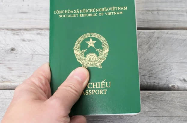 Người dân không cần về quê làm căn cước công dân và hộ chiếu - Ảnh 1