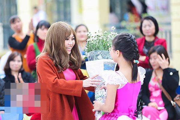 Cô giáo ung thư giai đoạn cuối Nguyễn Phạm Thanh Hằng đã qua đời khiến nhiều người bật khóc - Ảnh 4