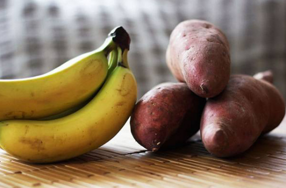 Chuối ngon nhưng không được ăn bừa bãi: có 4 điều 'cấm kỵ' khi ăn loại quả này mà bạn cần nhớ - Ảnh 1
