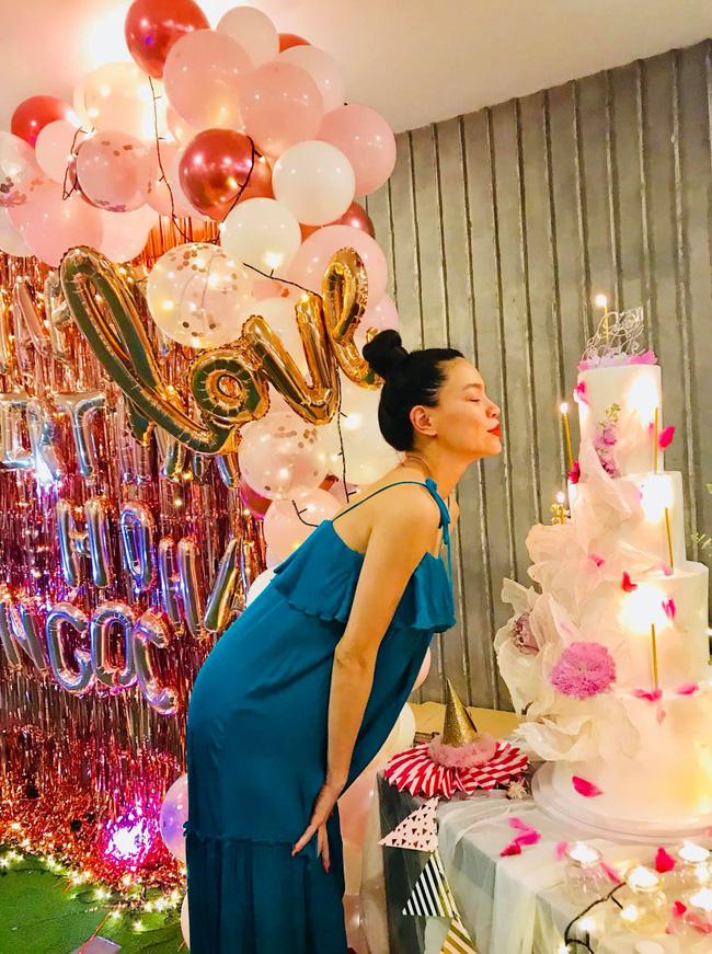Khoe niềm vui bất ngờ trong ngày sinh nhật, Hà Hồ lộ sắc vóc thật sau thời gian ở cữ chăm con - Ảnh 5