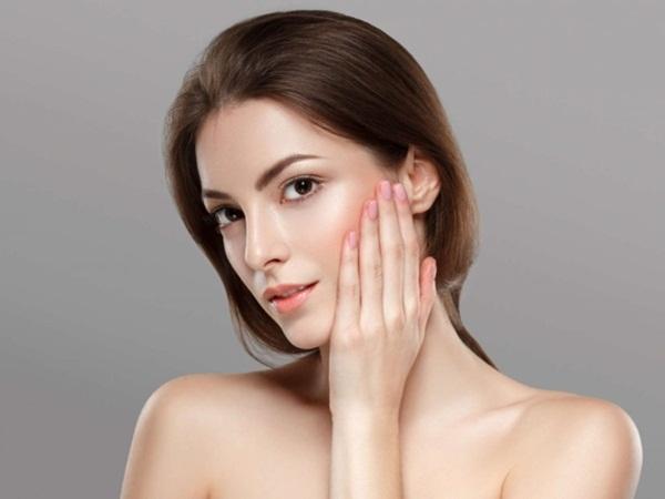 5 bước cơ bản giúp da luôn căng bóng khi trang điểm - Ảnh 1