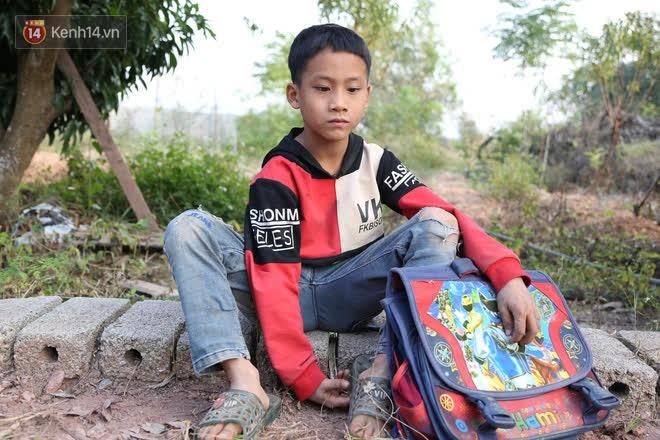 """Người cha """"một mắt, một tay"""" chật vật nuôi 3 đứa con thơ: """"Mình ít học nên thiệt thòi rồi, giờ bằng mọi giá sẽ cho các con đi học đầy đủ"""" - Ảnh 5"""