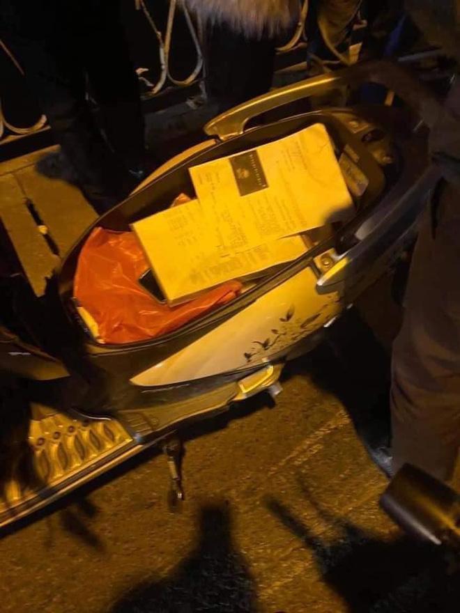 Nghi án người phụ nữ để lại xe máy, trong cốp có giấy siêu âm thai nhi rồi nhảy cầu tự tử - Ảnh 1