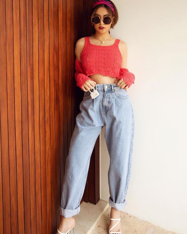 Diện quần jeans, chị em hãy học sao Việt mix với 4 kiểu giày sau là chuẩn chỉnh, còn kéo chân dài tít tắp - Ảnh 3