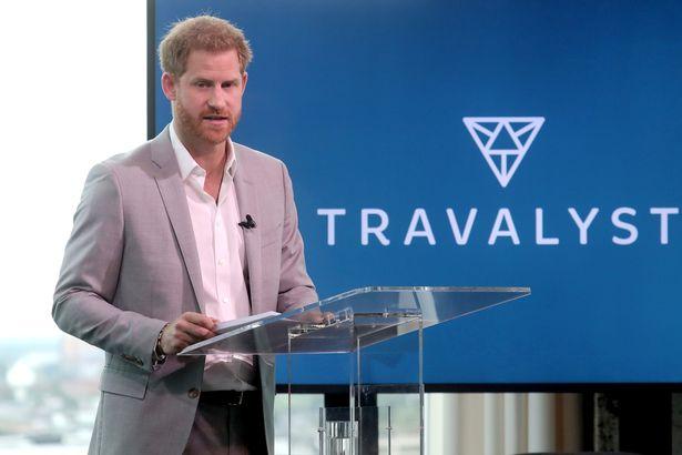 Harry lần đầu xuất hiện sau lùm xùm kể xấu hoàng gia và có lời kêu gọi khiến dư luận phẫn nộ, uy tín tuột dốc không phanh - Ảnh 2