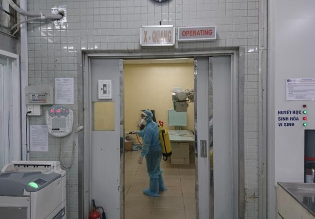 196 nhân viên Bệnh viện Chợ Rẫy liên quan đến bệnh nhân 449 và 450 đã có kết quả xét nghiệm COVID-19 - Ảnh 1