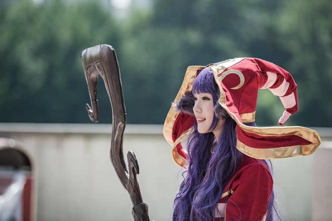 Ngắm bộ ảnh cosplay của thánh nữ Habom, hóa trang sương sương tại nhà cũng đủ khiến fans 'nhức mắt' - Ảnh 9