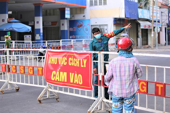 Người dân Đà Nẵng cùng mang nhu yếu phẩm 'tiếp tế' cho bệnh nhân, bác sĩ, công an trong khu cách ly: 'Các bạn cần gì cứ nói!' - Ảnh 2