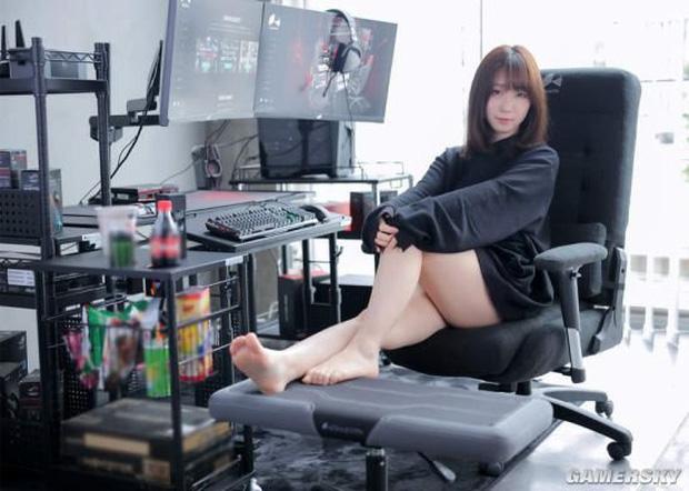 Nữ cosplayer khoe trải nghiệm ghế gaming mới, cộng đồng chỉ chú ý 'tâm hồn' đẹp! - Ảnh 8