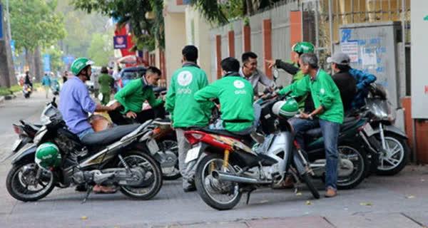 TP.HCM khẩn cấp tìm tài xế Grab bike từng chở bệnh nhân COVID-19 - Ảnh 1