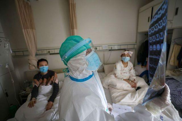 Vì sao bệnh nhân có nhiều bệnh nền có nguy cơ tử vong cao khi mắc COVID-19? - Ảnh 2