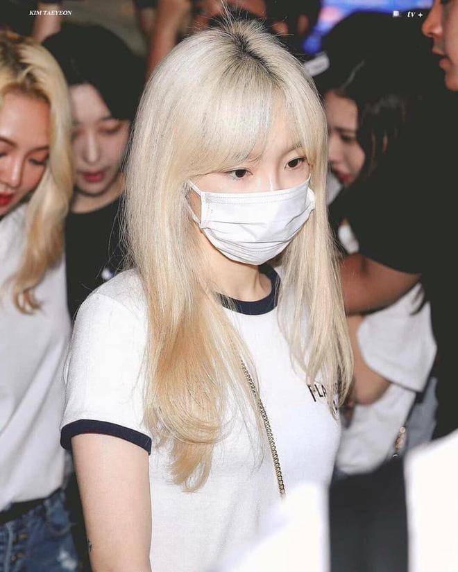 Cùng đeo khẩu trang nhưng sao Hàn cũng chia team rõ rệt: Phe makeup kỹ càng, phe vô tư mặt mộc - Ảnh 5
