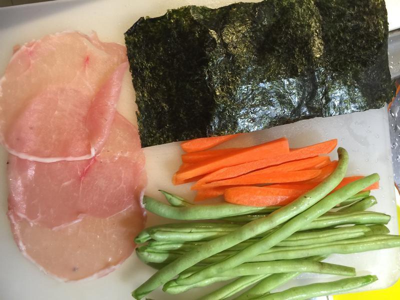 Mách bạn cách làm thịt cuốn đơn giản mà đẹp mắt chỉ nhìn thôi đã mê - Ảnh 1