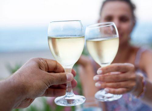 Uống 4 nhóm đồ uống này càng khiến mụn mọc nhiều gấp đôi, dưỡng da không kịp - Ảnh 4