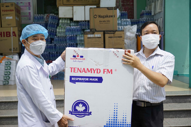 5 bệnh viện ở Đà Nẵng tiếp nhận 10.000 khẩu trang N95 chống dịch Covid-19 - Ảnh 2
