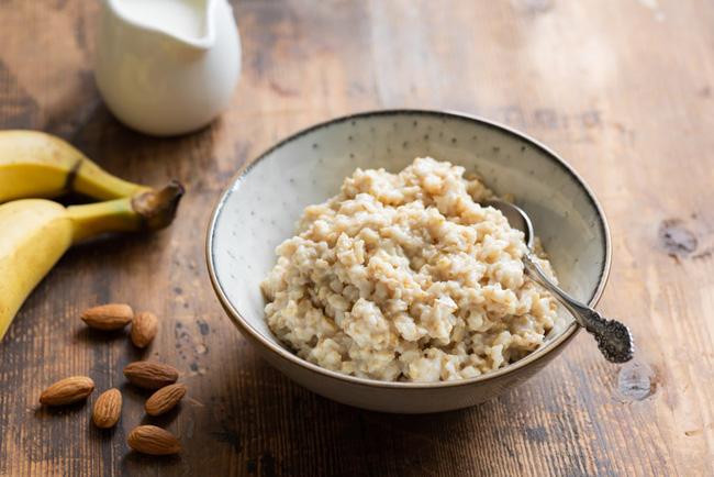 Giữa mùa dịch bệnh, bố mẹ bổ sung những thực phẩm này vào thực đơn để tăng sức đề kháng cho trẻ - Ảnh 2