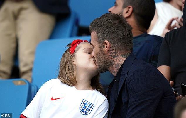 Nguyên nhân nào khiến con gái của David Beckham dù xinh như 1 nàng công chúa nhưng luôn bị chê trách? - Ảnh 2