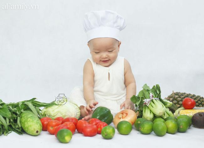 Nhờ mỗi chiếc nồi luộc gà và rau củ trong bếp, mẹ trẻ giúp con có ngay bộ ảnh 'xịn mịn' chẳng kém gì ngoài tiệm - Ảnh 3