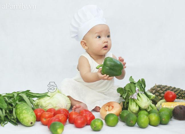 Nhờ mỗi chiếc nồi luộc gà và rau củ trong bếp, mẹ trẻ giúp con có ngay bộ ảnh 'xịn mịn' chẳng kém gì ngoài tiệm - Ảnh 5
