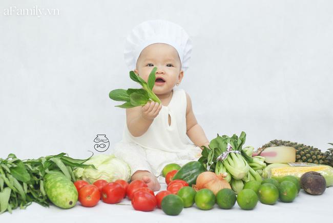 Nhờ mỗi chiếc nồi luộc gà và rau củ trong bếp, mẹ trẻ giúp con có ngay bộ ảnh 'xịn mịn' chẳng kém gì ngoài tiệm - Ảnh 7