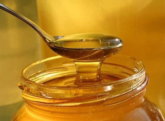 Uống mật ong nóng đúng cách vào buổi sáng, da đẹp, dáng xinh chỉ sau 1 tuần thoải mái diện đồ Tết - Ảnh 1