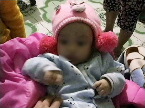 Bé gái 4 tháng bị bỏ rơi ngày cận Tết, người mẹ hứa không bao giờ đòi lại