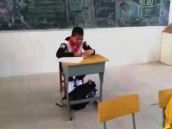 Bé trai bị giáo viên cách ly trong lớp học vì sợ lây bệnh ung thư