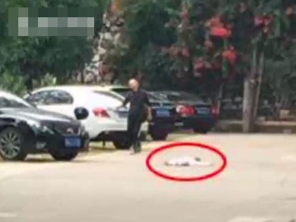 Bé trai 5 tuổi tử vong vì rơi từ tầng 7 chung cư, nghi bà nội ném cháu xuống đất