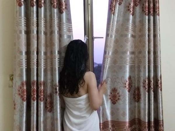 Chồng đưa nhân tình về nhà, vợ chẳng những không đánh ghen mà còn hành động gây sốc khiến ai nấy thảng thốt