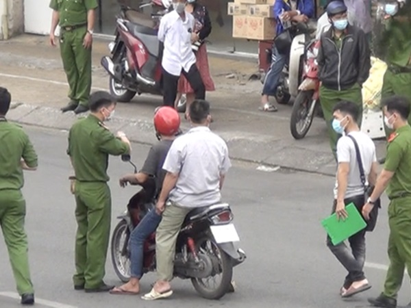 CLIP: Thực nghiệm hiện trường vụ cướp giật khiến 2 người thiệt mạng ở quận Tân Phú
