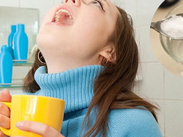 Có nên súc miệng bằng nước muối hằng ngày không?