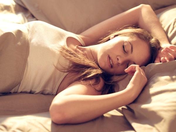 """Giam mình trong nhà vì mỗi ngày đều """"lên đỉnh không ngừng nghỉ"""", 6 tháng sau người phụ nữ mới tìm ra sự thật về cơ thể mình"""