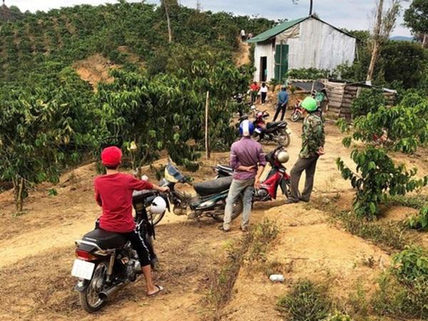 Rúng động Lâm Đồng: Chồng chém vợ tử vong rồi uống thuốc sâu tự tử
