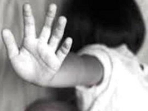 Kiên Giang: Dụ dỗ cho đồ chơi, yêu râu xanh U60 hiếp dâm bé gái 12 tuổi