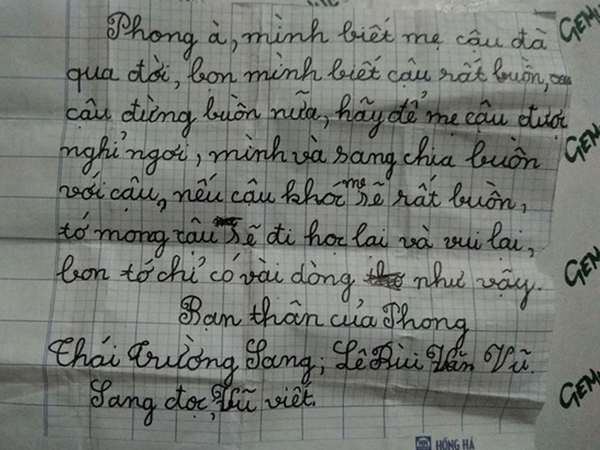 Mẹ bạn mất, 2 cậu bé gửi mẩu giấy đặc biệt khiến người lớn không ngừng rơi nước mắt