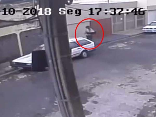 Mẹ vứt con 1 ngày tuổi vào thùng rác vì sợ bị đuổi việc