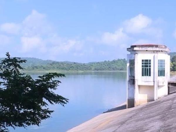 Buồn chuyện gia đình, nữ sinh 15 tuổi ở Thanh Hóa nhảy sông tự tử