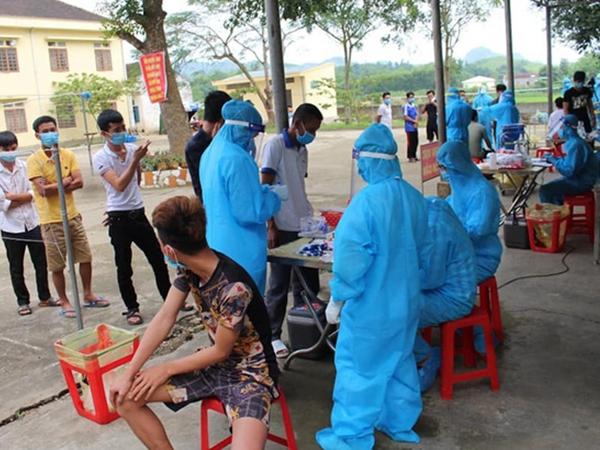 Nữ bệnh nhân số 435 về thăm quê ở Nghệ An trước khi phát hiện nhiễm Covid-19