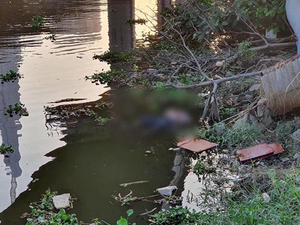 Bàng hoàng phát hiện thi thể phụ nữ trôi trên sông Sài Gòn