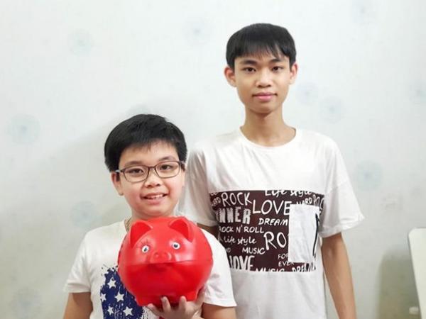 Hai anh em ruột ở Bắc Giang ủng hộ 10 triệu tiền tiết kiệm để phòng chống dịch Covid-19