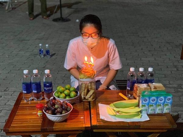 Sinh nhật không bánh kem, không người thân của một y sĩ thời Covid-19
