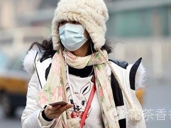 """Suýt bị chồng bỏ vì """"trời nóng vẫn mặc áo khoác dày"""", 1 thập kỷ sau người phụ nữ mới biết mình mắc bệnh gì"""