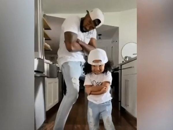 Tan chảy trước những khoảnh khắc không thể đáng yêu hơn giữa bố và con gái