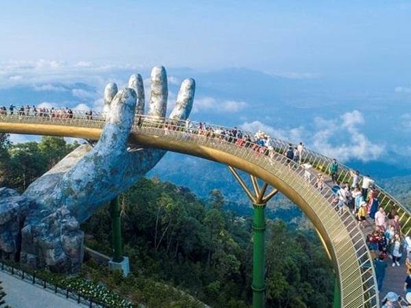Trong tháng 7 có hơn 800.000 người đã đến Đà Nẵng